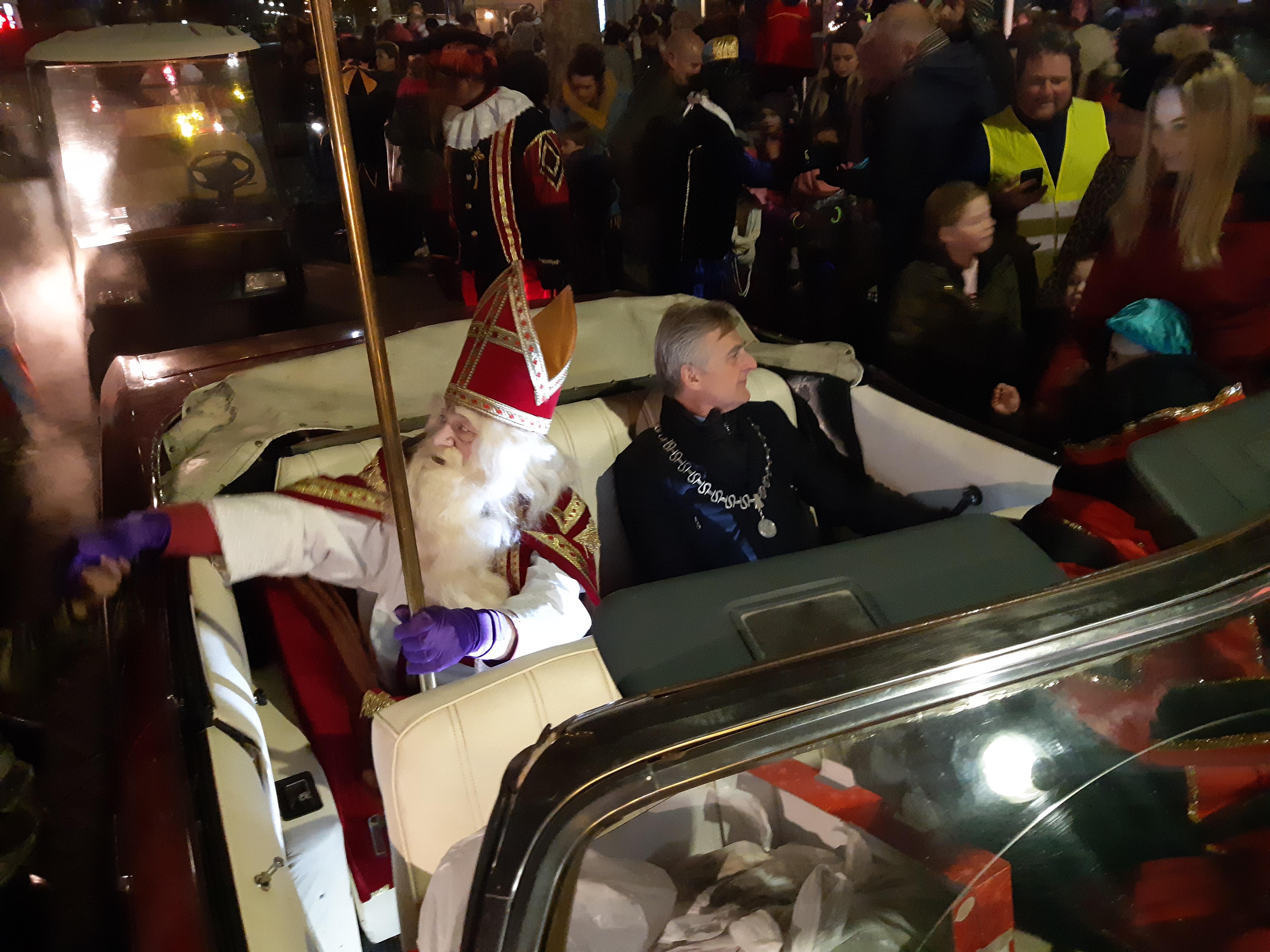 Sinterklaas en Burgemeester Metz