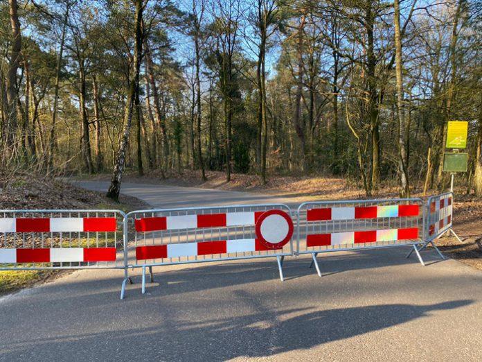 Parkeerplaatsen afgesloten