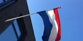 De vlag gaat uit...ook in Soesterberg