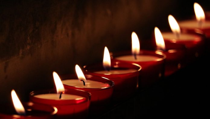 Lichtjes op oorlogsgraven
