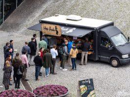 FOOD-truck op Versteeghlaan
