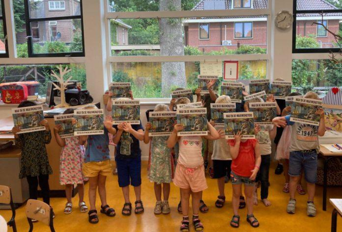 Kinderen krijgen boek cadeau